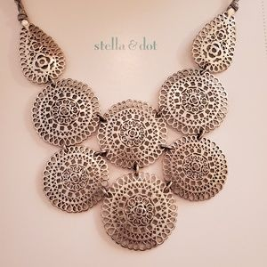Stella and Dot Medina Bib Necklace